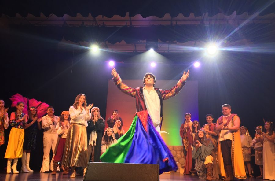 Joseph+and+the+Amazing+Technicolor+Dreamcoat