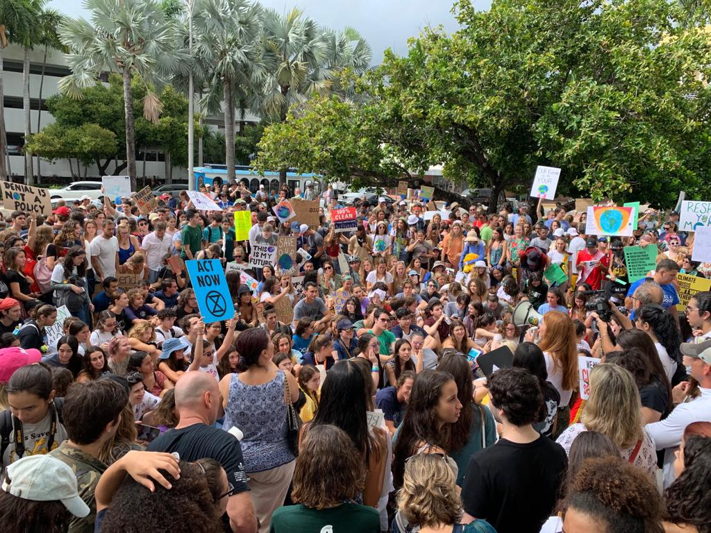 Protestors+gather+in+front+of+MIami+Beach+City+Hall+September+20%2C+2020+to+call+for+climate+legislation.