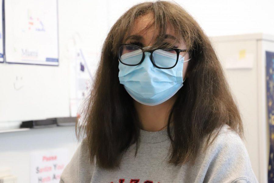 Annie's method for not fogging her glasses!